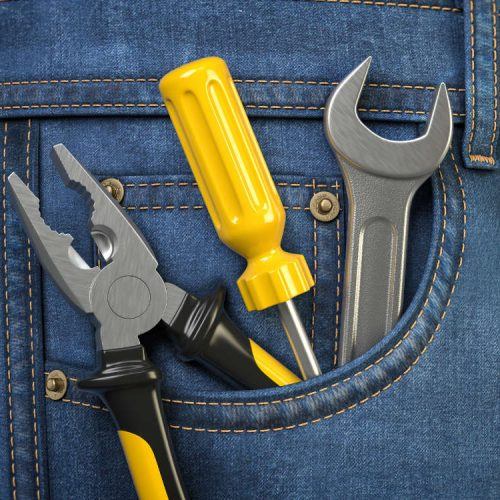 tools-in-jeans-pocket-service-and-engineering-conc-DXPE22J.jpg